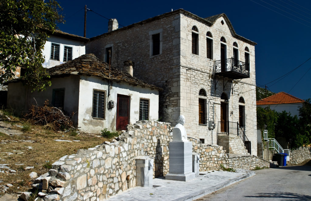 Traditional houses in Theologos